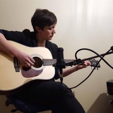 Céline joue Pink Floyd lors de sa première vidéo